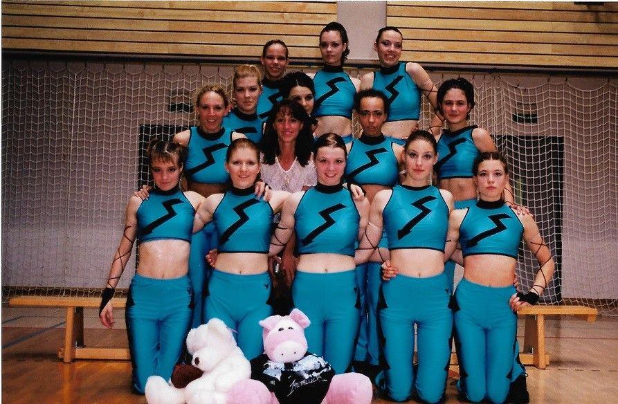 Plesna skupina Srednje vzgojiteljske šole in gimnazije Ljubljana 1999