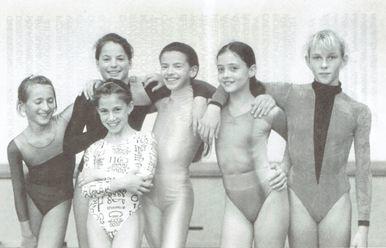 ŠRG Vrhnika  (kadetinje, mladinke) 1995, z leve: Barbara Šinigoj,Tina Pajnič, Mojca Rode, Dušica Jeremić, Biljana Milašinović,Urša Cvetko