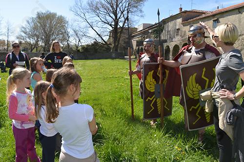Z rimskim vojakom po Ajdovščini
