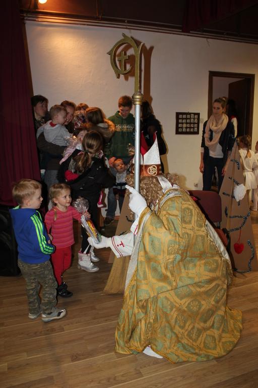 Na Miklavža čakala množica otrok