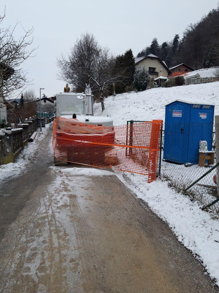 Nizke temperature upočasnile gradnjo kanalizacije