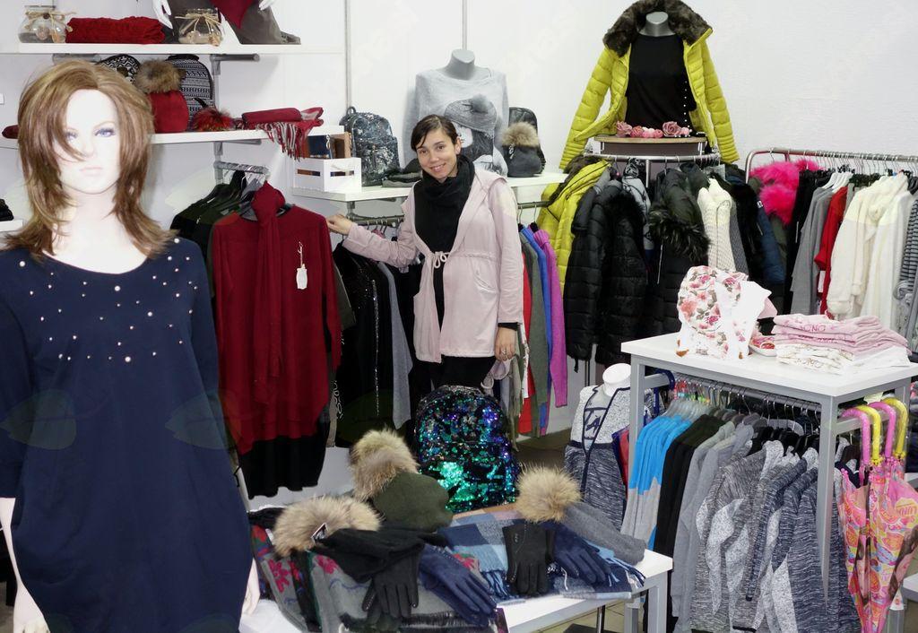 V Borovnici spet trgovina z oblačili