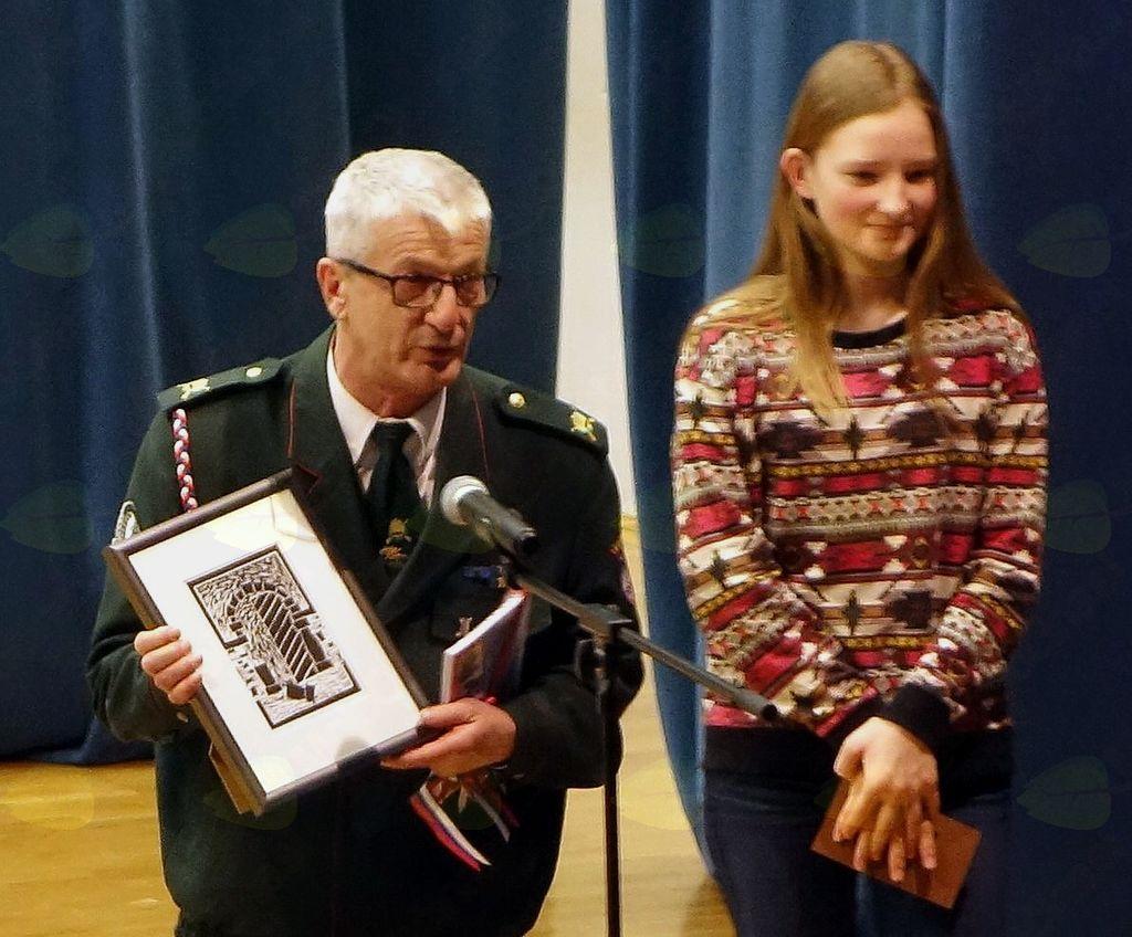 Veterani v sodelovanju s šolo izvajajo domovinski kulturni dan.