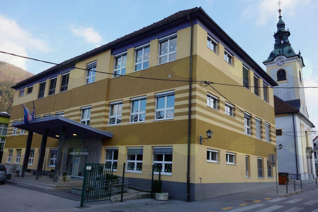 Občina želi že marca začeti z gradnjo prizidka k osnovni šoli.