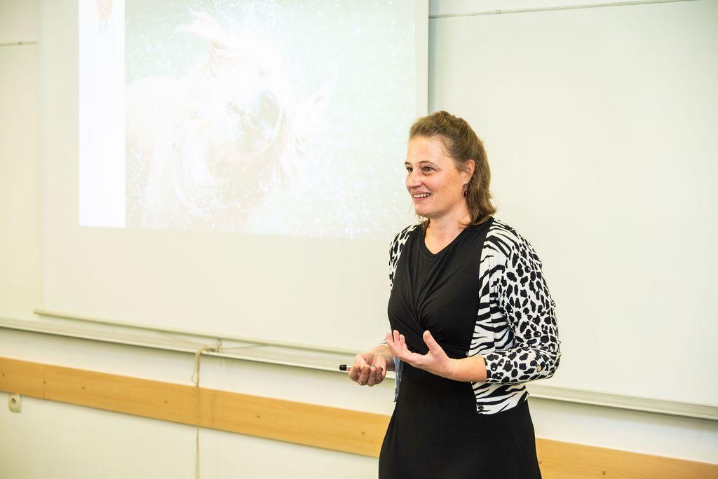 Helena Žitnik, Promovita