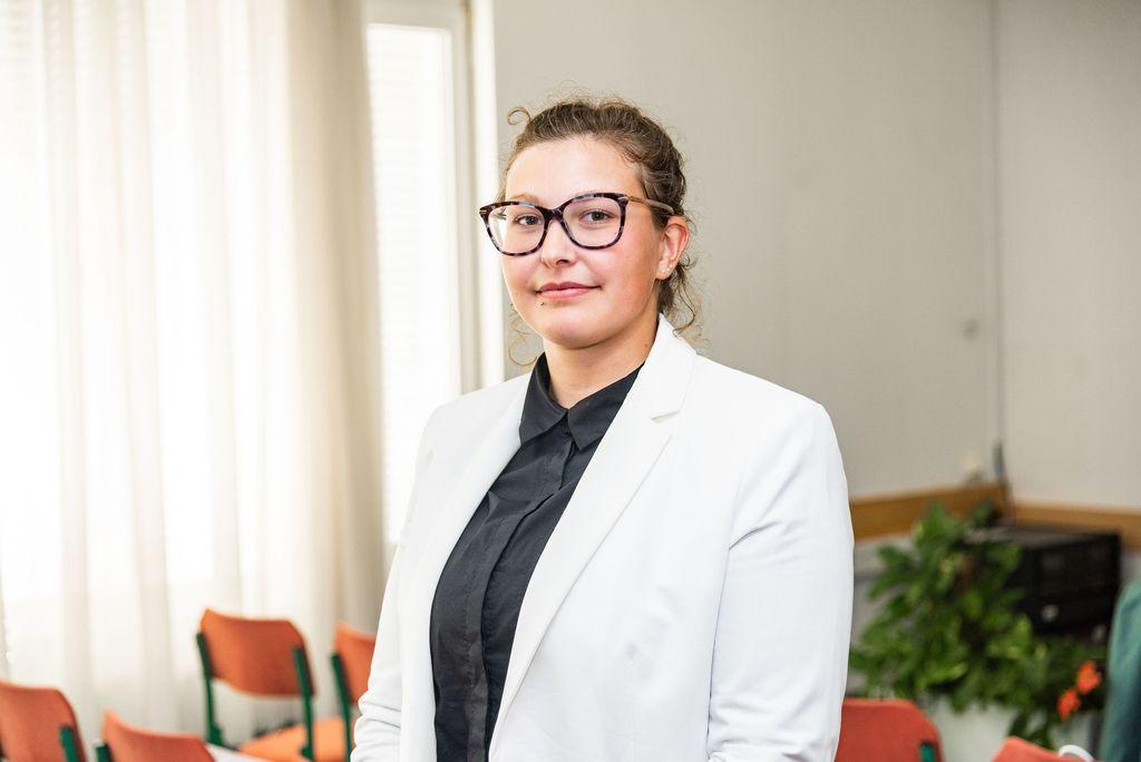 Lea Mohorič, študentka Fakultete za ekonomijo in informatiko v Novem mestu