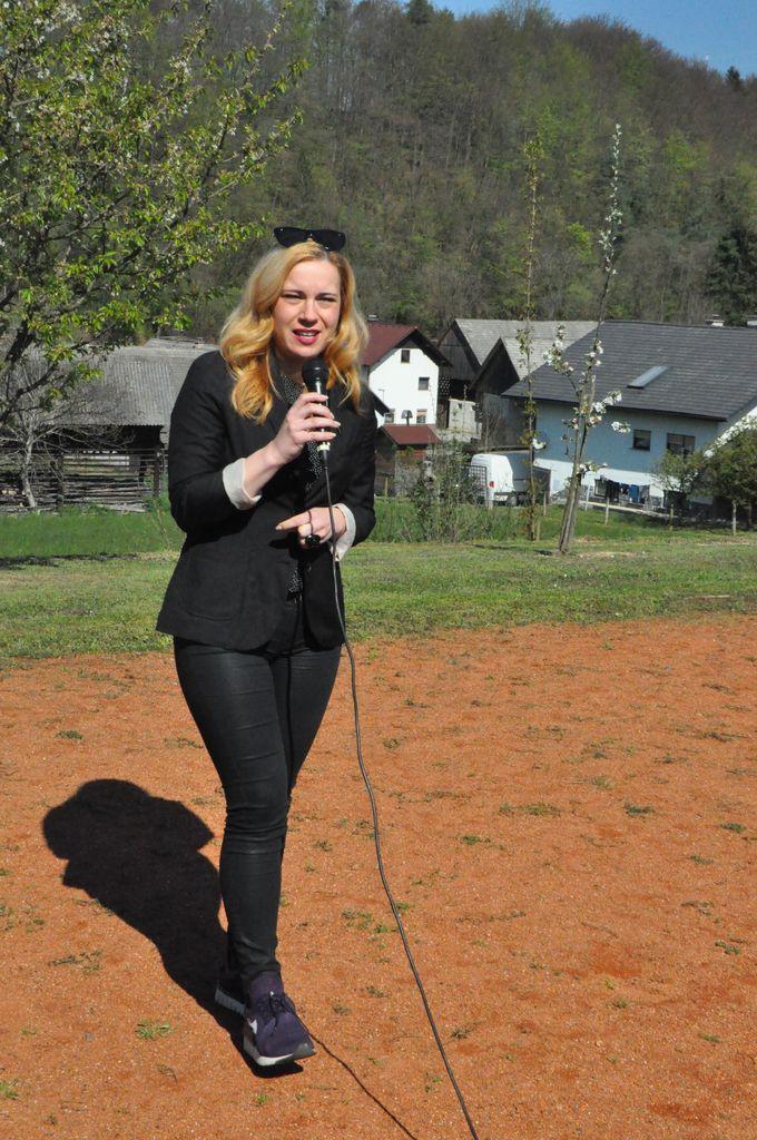 Sevniška voščenka dobila svoje mesto pri šoli na Blanci