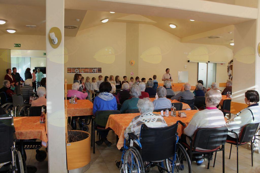 Posoške občine obiskale stanovalce v domovih upokojencev
