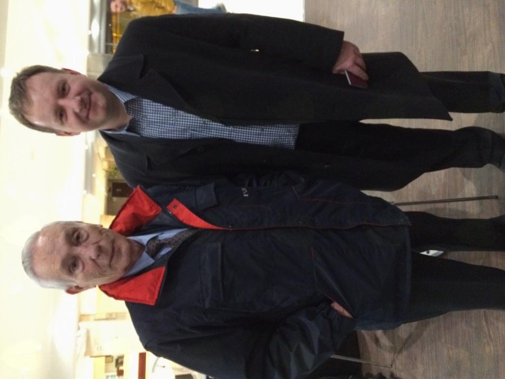 Z nekdanjim dolgoletnim predsednikom JJEU Luisom Baguenom v Madridu 2016. Baguena je bil velik podpornik vključevanja Slovenije v mednarodno in evropsko ju-jitsu zvezo.