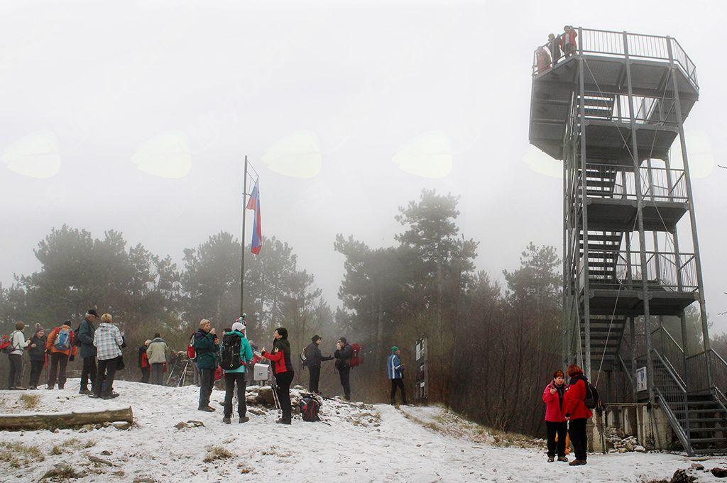 Oblačni pokrov nad vrhom je onemogočal razgled (foto Tatjana Rodošek)