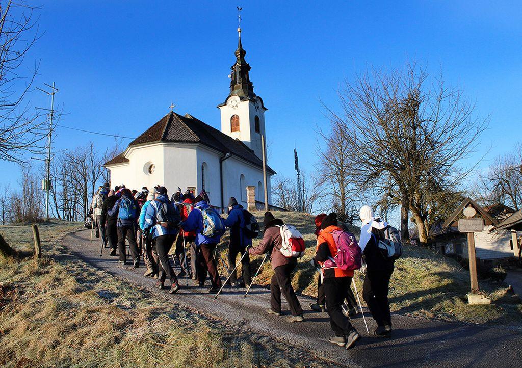 Iz Loga smo se povzpeli k cerkvi sv. Janeza
