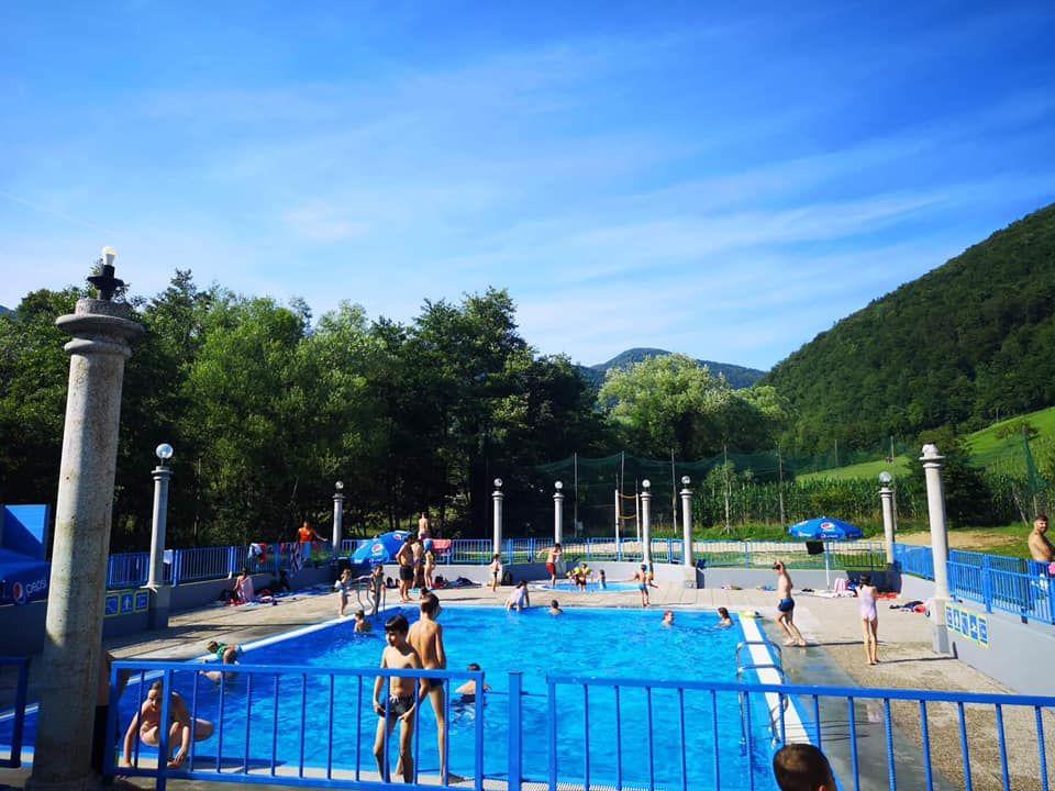 Zabava na bazenu Frankolovo