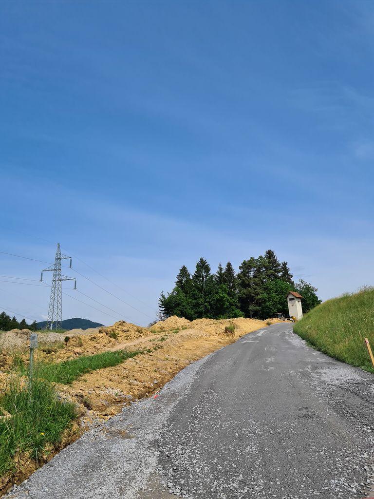 Obnovljena lokalna cesta v Založah