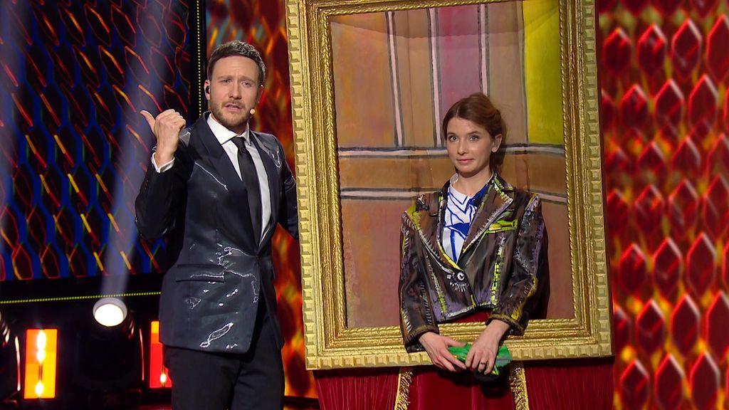 Fotografija Valentina 1    Voditeljica, igralka in imitatorka Valentina Plaskan Jordan se je prelevila v sliko z okvirjem. Planet TV