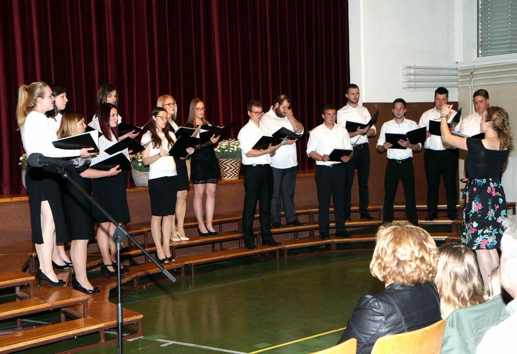 Nastop Mešanega pevskega zbora Andraž