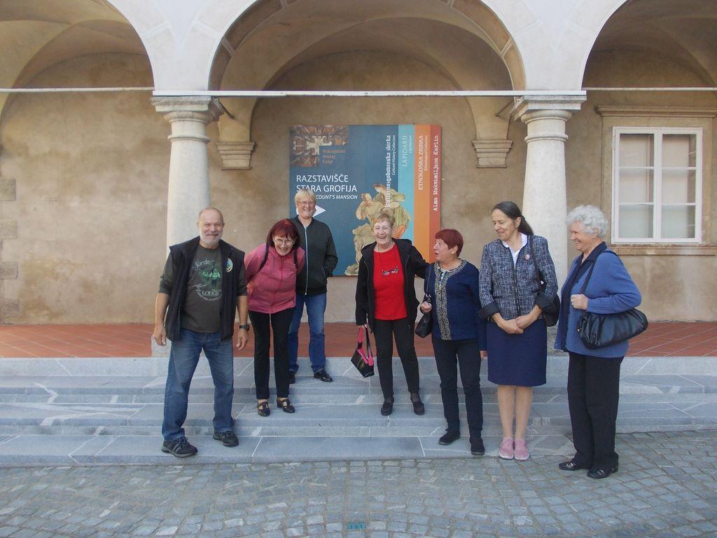 Skupina Marvljice na obisku pokrajinskega muzeja v Celju