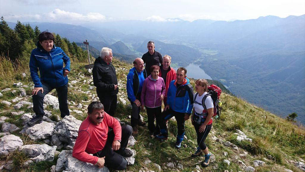 Pohodniki planinske sekcije Športnega društva Andraž