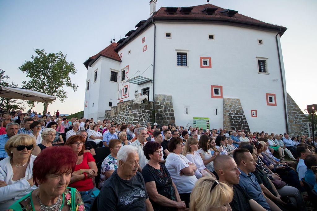 Gala koncert Tereze Kesovije