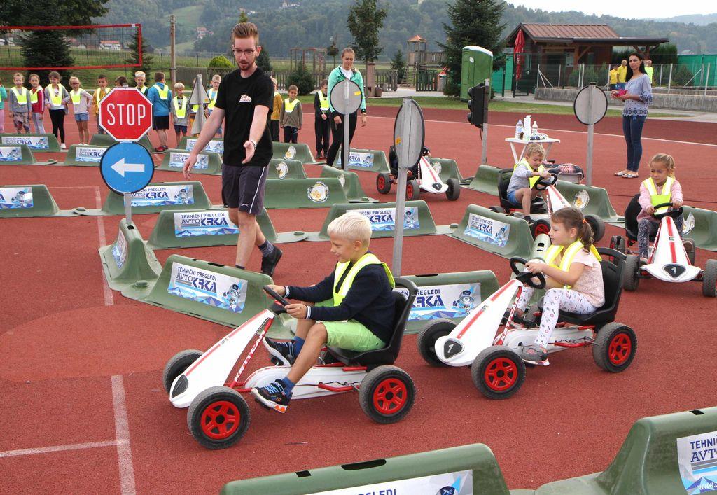 Kolesarčki - preventivni vzgojni promet