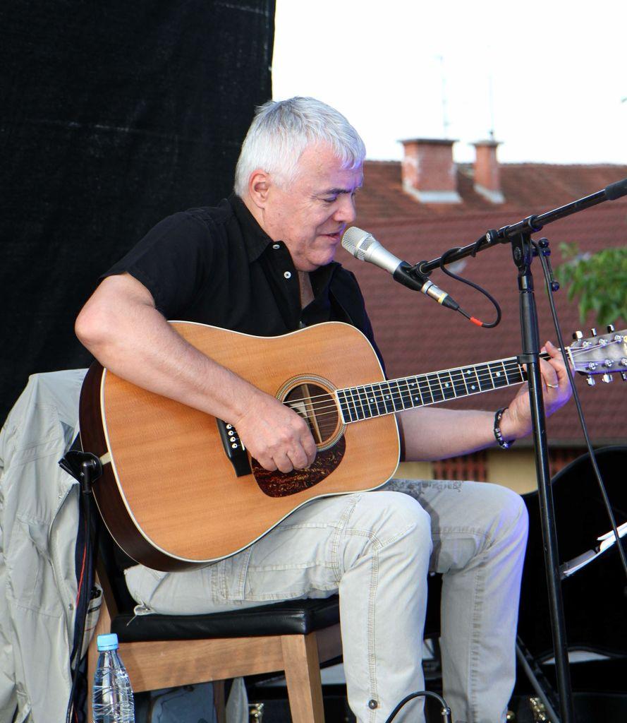 Zoran Predin ob 40-letnici glasbenega ustvarjanja gostoval tudi na gradu Komenda