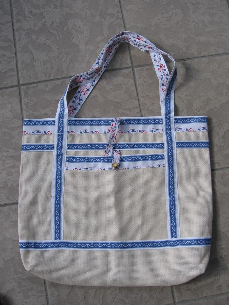 Še ena izmed lično izdelanih torbic (foto: D. Schilling)