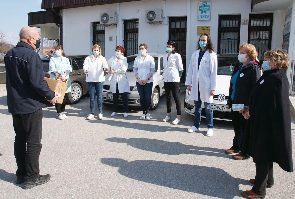 Zaposleni v Lekarni Polzela so bili veseli pozornosti.