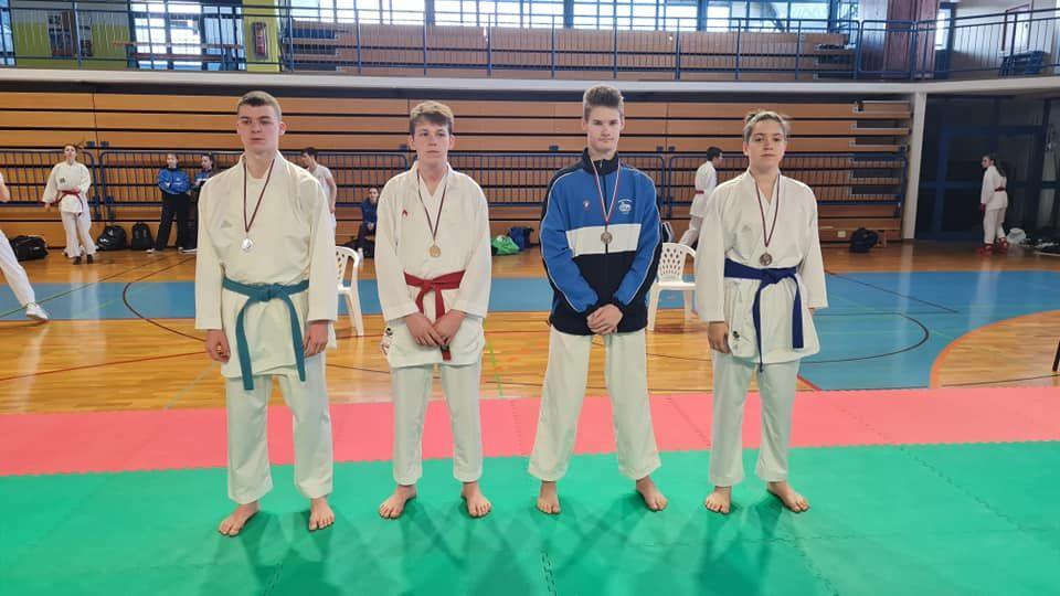 Polzelski karateisti v dobri formi na prvi tekmi sezone