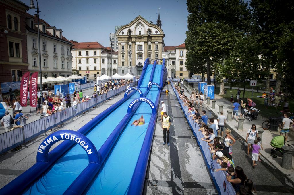 Za vikend vodne zabave je ljubljansko občinsko podjetje odštelo okrog 38 tisoč evrov.