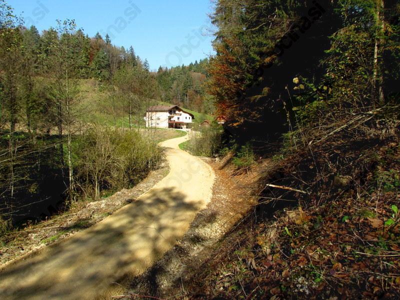 Priprava ceste Bezovica-Uršič