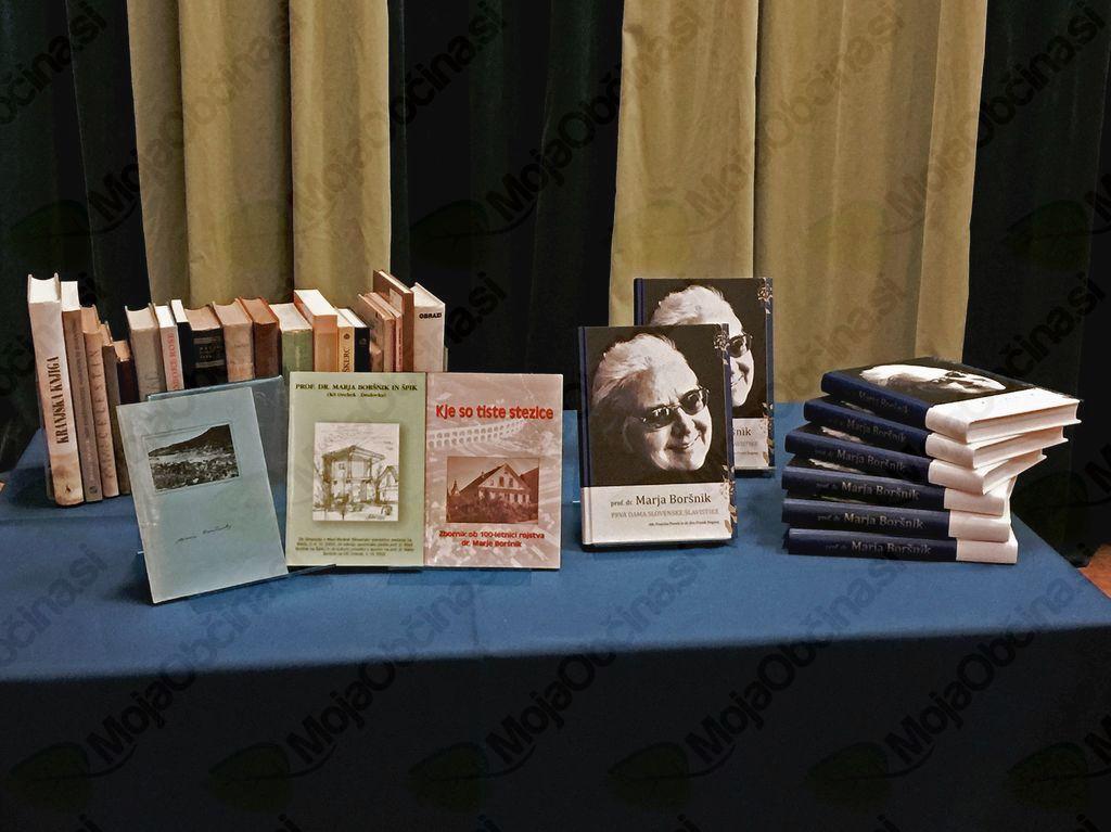 Bogati zbirki del o dr. Marji Boršnik (levi del slike) se je pridružila nova monografija, ki predstavlja dosedaj najbolj popoln pregled njenega življenja in dela.