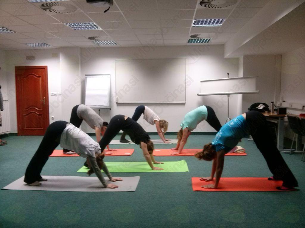 Skupinske vaje pilatesa in joge