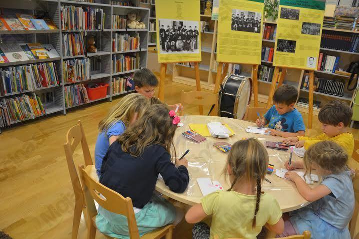 Majska pravljična urica v Občinski knjižnici Prebold