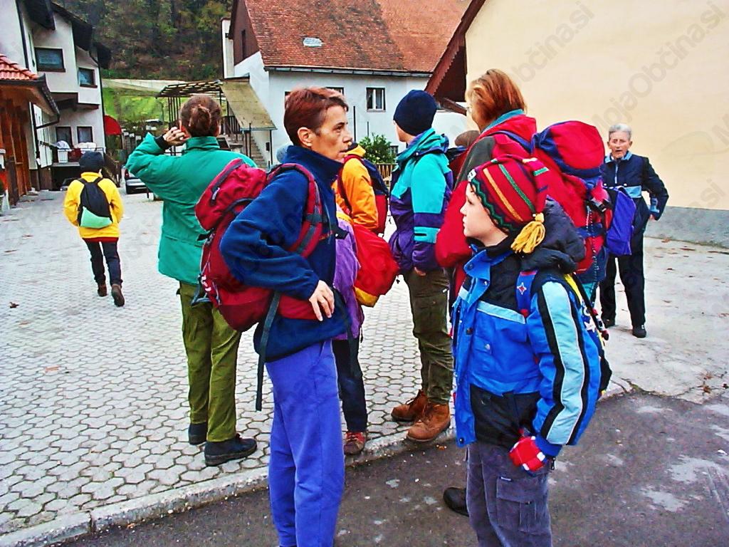 Na start so prišli tudi učenci iz raznih krajev Slovenije.