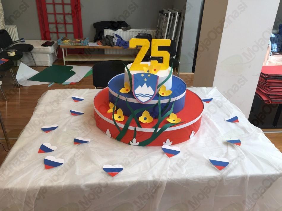 Rojstnodnevna torta OŠ Vojnik