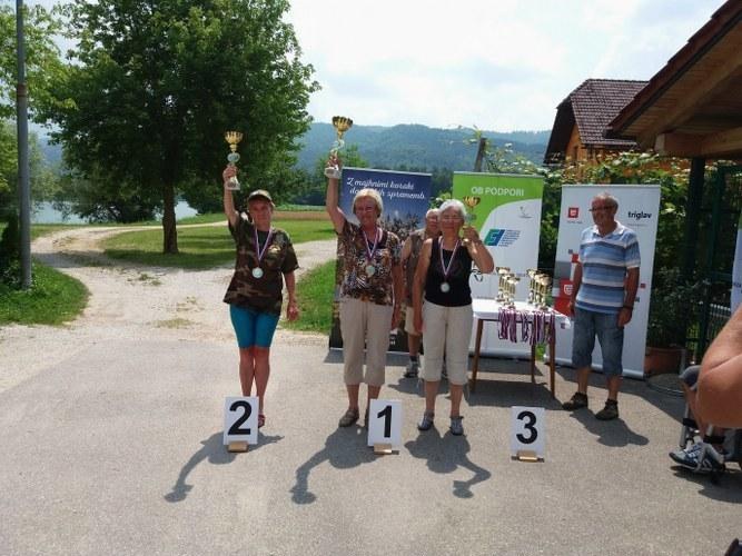 Stanislava Tamše, državna prvakinja v lovu rib s plovcem 2016, Terezija Potisk 3. mesto