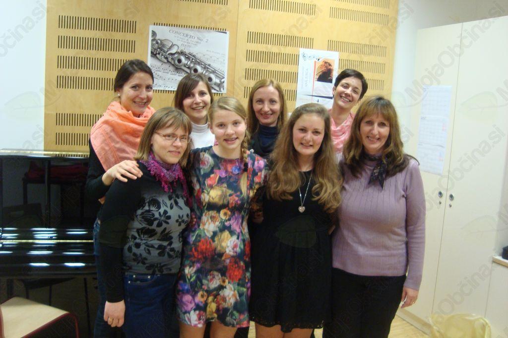 Flavtistki Glasbene šole Sevnica odlični na tekmovanju mladih pihalcev EMONA 2013
