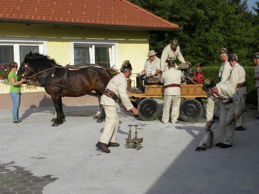4. tekmovanje s starimi ročnimi in motornimi brizgalnami v Braslovčah