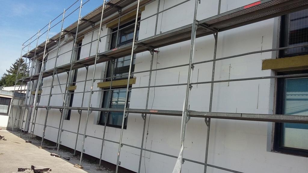 Energetska sanacija fasade telovadnice pri OŠ Križe (foto Arhiv Občine Tržič)