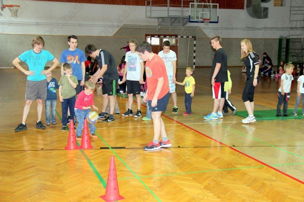 Tekmovanje v telovadnici. Foto: Gimnazija Jesenice