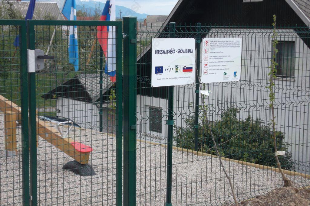 Otroška igrišča so ponovno lahko odprta.