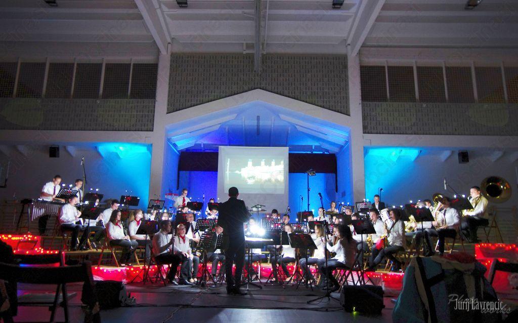 Pihalni orkester Vrhpolje navdušil s filmsko glasbo
