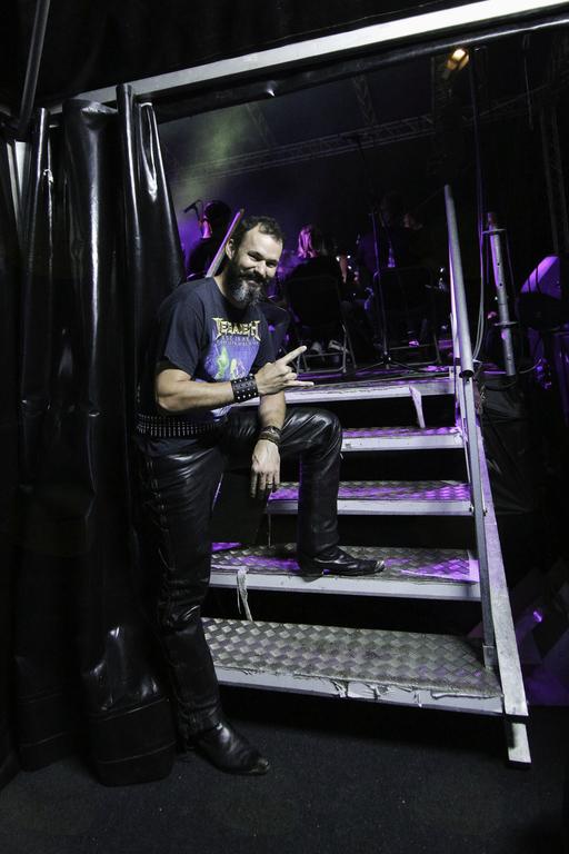 Povezovalec in odličen pevec ter ljubitelj rocka, Gregor Budal