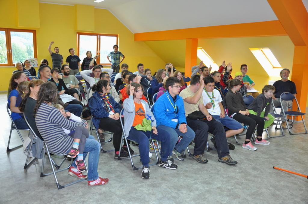 Udeleženci tabora na Gorenju so predstave poslušali v angleščini