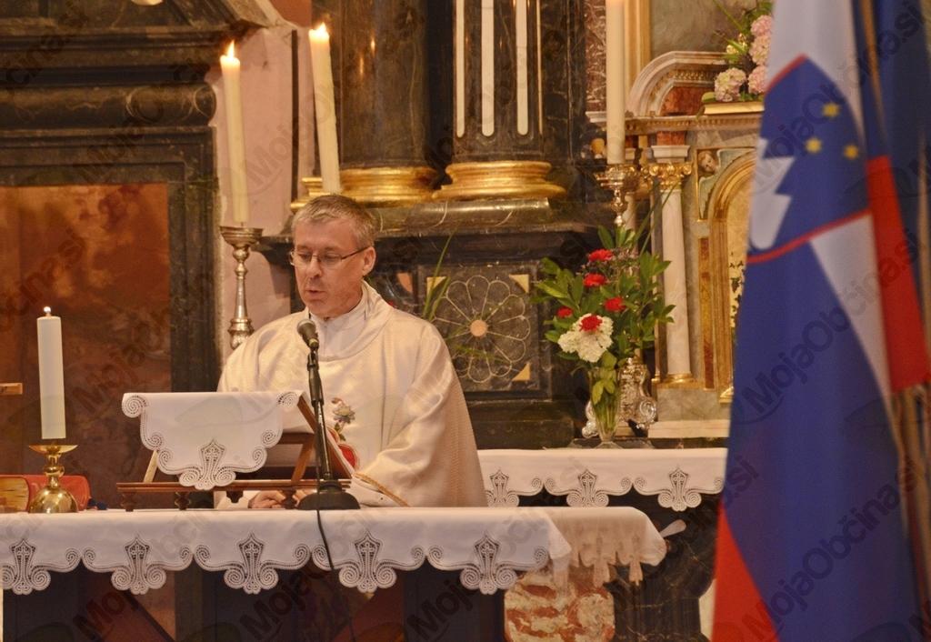 Kresovanje in maša za domovino na Sveti Trojici