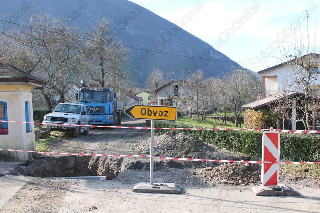 Sanacija in posodobitev ceste v vasi Sužid. Foto: Nataša Hvala Ivančič