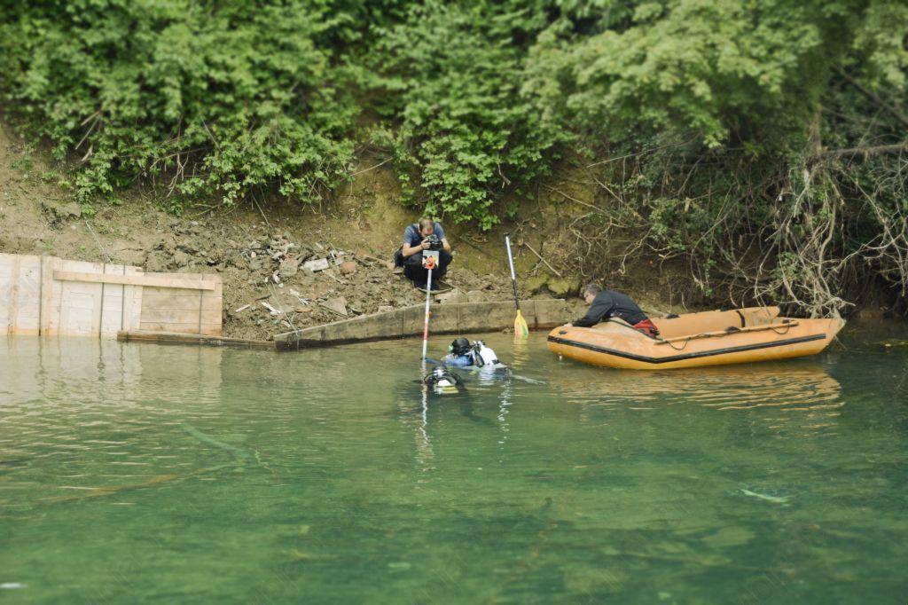 Iz Ljubljanice bodo potegnili deblak