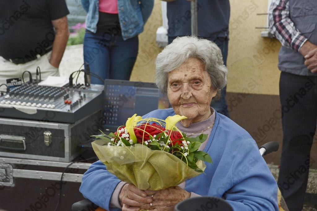 100 let Lovrinove mame