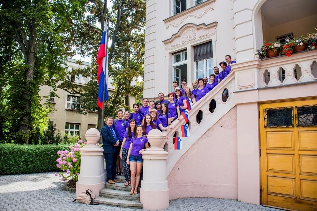 Obiskali smo tudi slovensko veleposlaništvo v Pragi, kjer nas je sprejel veleposlanik Leon Marc