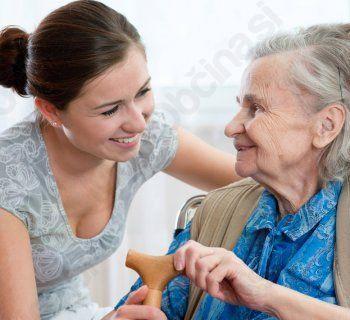 Izredno zanimanje za tečaj oskrbe starejših