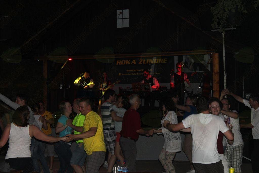 Praznik podolniških gasilcev se je odvijal dolgo v noč, in sicer z ansamblom Roka Žlindre.